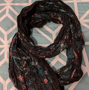 Floral Circle Scarf